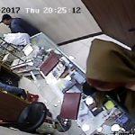 سرقت از طلا فروشی های تهران به شیوه کش روی| متهم سابقه دار دستگیر شد