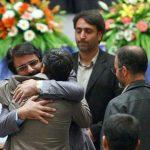 علیرضا افتخاری درباره بغل کردن احمدینژاد: طناب خریدم که خودکشی کنم!