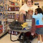 اين زن قصد دارد چاق ترين زن جهان شود!!