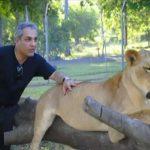مهران مدیری در قفس شیرها! + فیلم