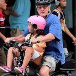 دوچرخهسواری رابرت دنیرو و دخترش در نیویورک