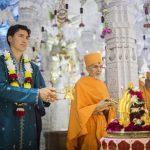 حضور نخست وزیر کانادا در آیین معبد هندوها