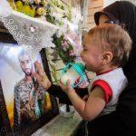 عکس دیده نشده از شهید حججی و فرزندش در عزای اباعبدالله الحسین (ع)