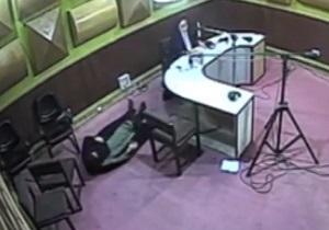 حمله قلبی خانم گوینده خبر رادیو گلستان، حین اجرای زنده! + فیلم