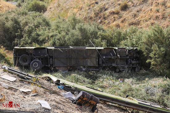 سقوط اتوبوس به دره جاجرود