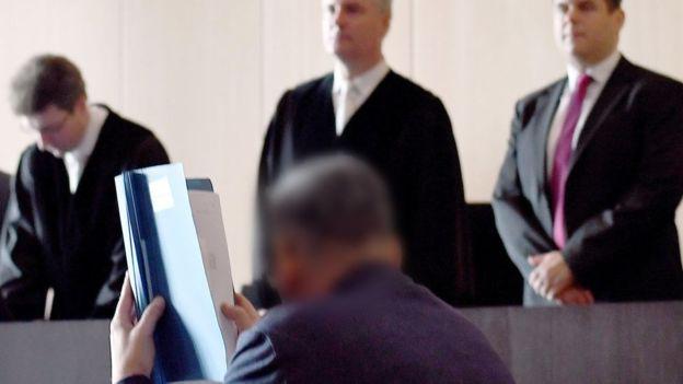 دادگاه بازیگر فیلمهای مستهجن آلمانی