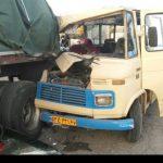 تصادف سرویس دانشآموزان در کرمان با تریلی!