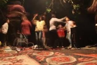 دستگیری ۳۰ دختر و پسر مست در پارتی شبانه ورامین!