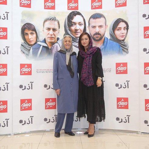 نیکی کریمی در مراسم جوایز فیلم آذر
