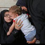 اقدام تاملبرانگیز یک نماینده مجلس در حضور خانواده شهید حججی!