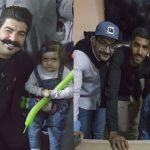 بهنام بانی برای بچههای پروانه ای خواند | پرسپولیسیها و بازیگران در خانه ایبی
