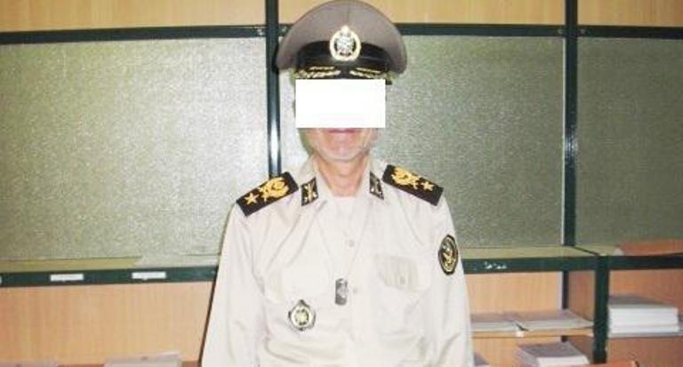 دستگیری سردار قلابی که با لباس نظامی بانوان بدحجاب پارک را بازرسی میکرد!