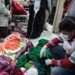 این زن فداکارترین مادر در زلزله کرمانشاه است!