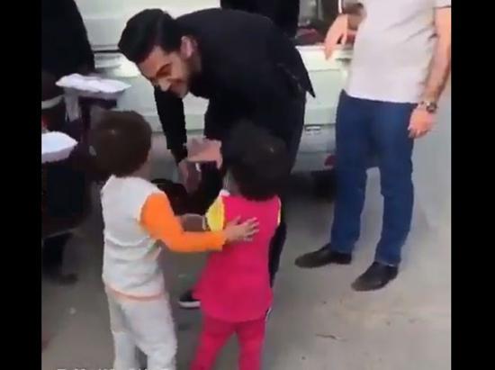 کودک زلزلهزده کرمانشاهی محبوب دلها در فضای مجازی!