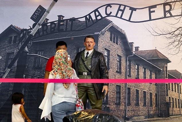 مجسمه جنجالی هیتلر