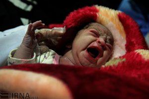 اولین لحظههای آوا؛ نوزادی که در بحبوحه زلزله به دنیا آمد!