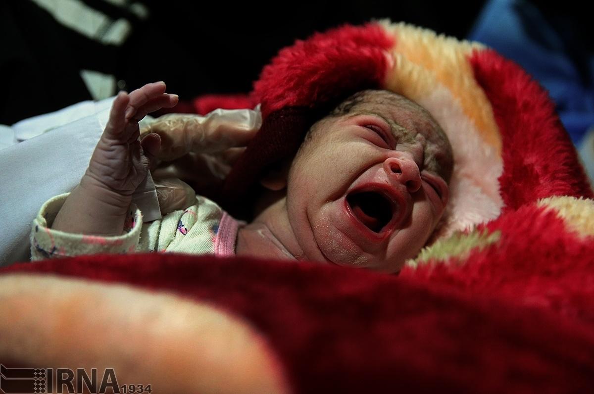 تولد نوزاد بعد زلزله