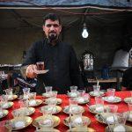 پذیرایی بیمنت خادمین حسینی از زائران اربعین