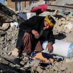 عکسی تکاندهنده از زنان سوگوار کرمانشاه در چادر امدادی!