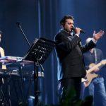 واکنش غلامرضا صنعتگر خواننده پاپ به برپایی مراسم گلریزان برایش!