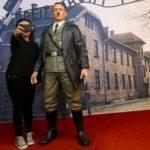عکس سلفی با هیتلر در اندونزی جنجال بپا کرد!