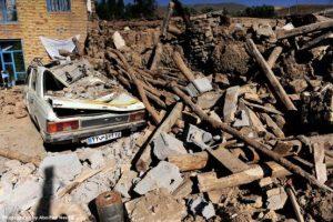 لحظه دردناک بیرون کشیدن اجساد زلزله کرمانشاه از زیر آوار + فیلم