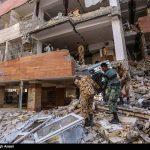 جواد رضویان و جواد خیابانی در میان زلزله زدگان کرمانشاه