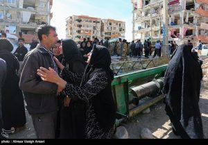 اشک امدادرسانان ارتشی اعزامی به مناطق زلزله زده!