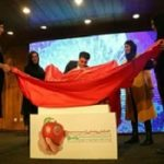 نشان سیب خواهران منصوریان رونمایی شد