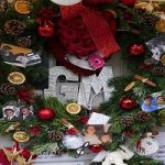 تزئین کریسمسی دیوارهای خانه خواننده معروف !
