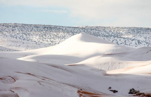 بارش برف در صحرای بزرگ آفریقا