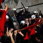 درگیری مردم و پلیس یونان در جریان تظاهرات ضددولتی!
