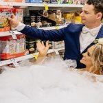 مراسم ازدواجی عجیب در فروشگاه!!