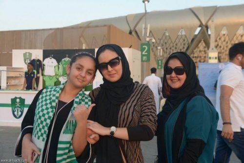 زنان عربستانی در استادیوم فوتبال