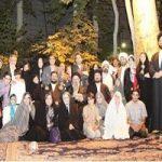 نوه امام خمینی (ره) در کنار همسر و فرزندانش