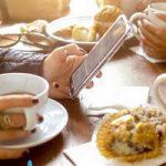 چرا هنگام صرف غذا نباید از گوشی موبایل استفاده کرد؟