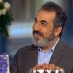 واکنش سیامک انصاری به دعوایش با مدیری در گفتگو با علیخانی
