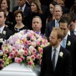 کلینتون و اوباما در مراسم تشییع جنازه مادر بوش!