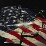 تصاویری از آتش زدن پرچم آمریکا در مجلس توسط نمایندگان