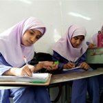 قیچی کردن موی دانش آموز در آبادان توسط خانم معاون مدرسه
