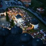 تصاویری زیبا و معنوی از سفره افطار به سبک اروپاییان