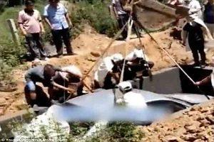 ماجرای دفن یک مرد با ماشین گرانقیمت به جای تابوت