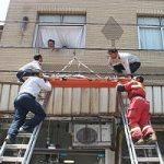سقوط زن جوان از طبقه چهارم ساختمان مسکونی در تهران!!