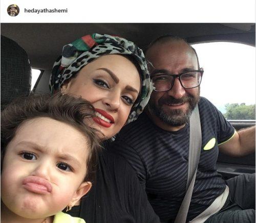 هدایت هاشمی با همسر و دخترش