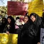 تصاویری از تجمع معلمان در تهران در حمایت از مردم یمن!