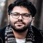 حامد همایون خواننده پرسپولیسی در ورزشگاه آزادی!
