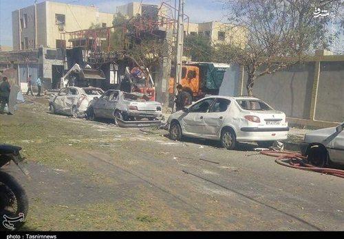 خودروهای خسارت دیده در نزدیکی محل حادثه چابهار