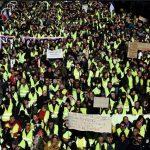 سانسور عجیب تصویر معترضان پاریس در شبکه ۳!