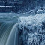 تصاویری از یخ زدن آبشار نیاگارا با طوفان زمستانی شدید کانادا!
