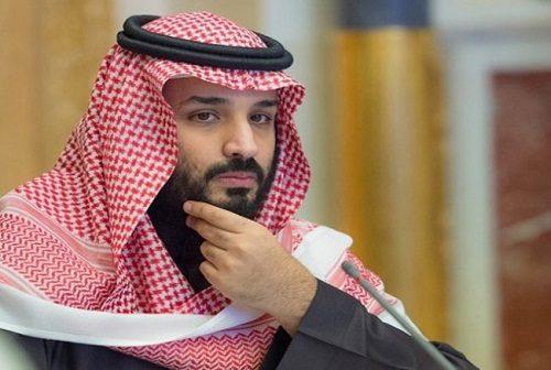 آتش زدن و لگد کردن عکس بن سلمان توسط نیروهای سعودی